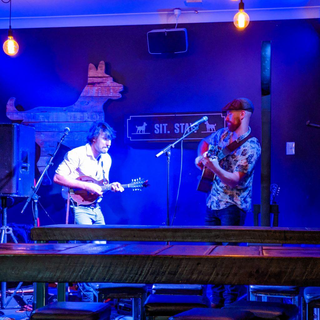 Live music at The Welder's Dog, Tamworth, NSW